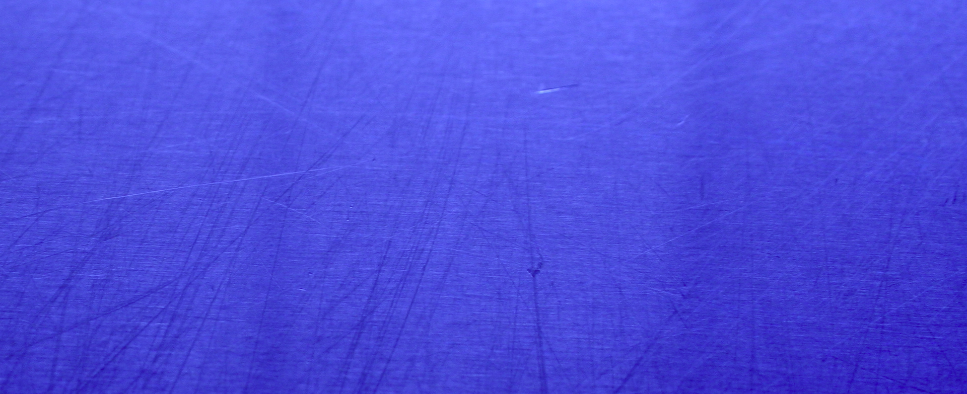 Bandeau bleu pour Tec, le spécialiste en peinture électrostatique